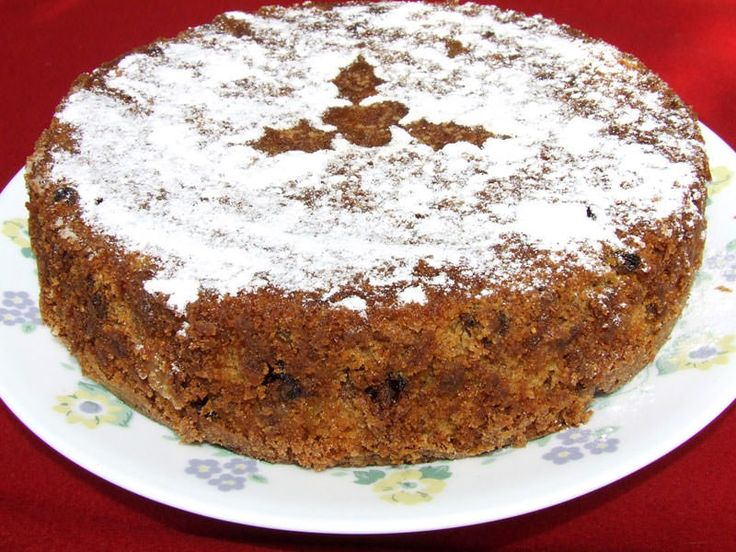 Za posnu tortu za Svetog Nikolu potrebno je: 250 g kristal šećera, 250 g šećera u prahu, 250 g brašna, 200 g oraha, 12 kašika ulja, 2 kašike kakaoa, 1 limun, 1 kašičica sode bikarbone