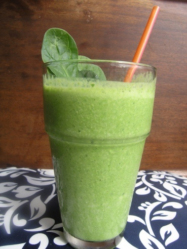 Lean & Mean Green Smoothie- just 5 ingredients to start your day healthy!