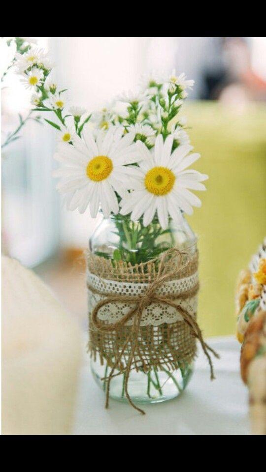 Rustic mason jar centerpiece #wedding #rustic #masonjars