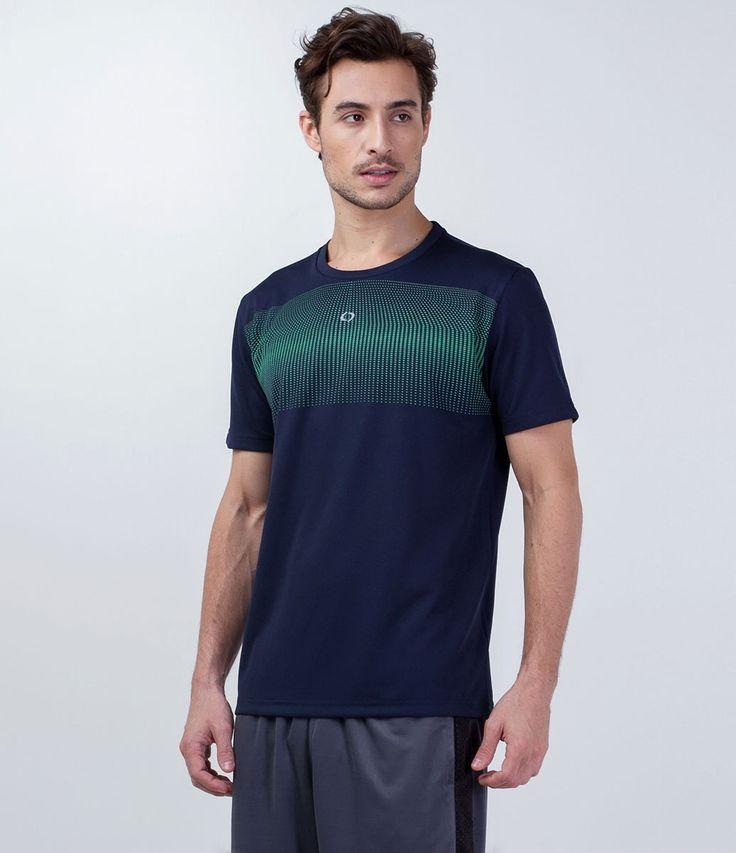 Camiseta masculina     Manga curta    Gola redonda    Com estampa    Marca: Get Over    Tecido: poliéster    Composição: 100% poliéster    Modelo veste tamanho: M            Veja outras opções de    camisetas masculinas.