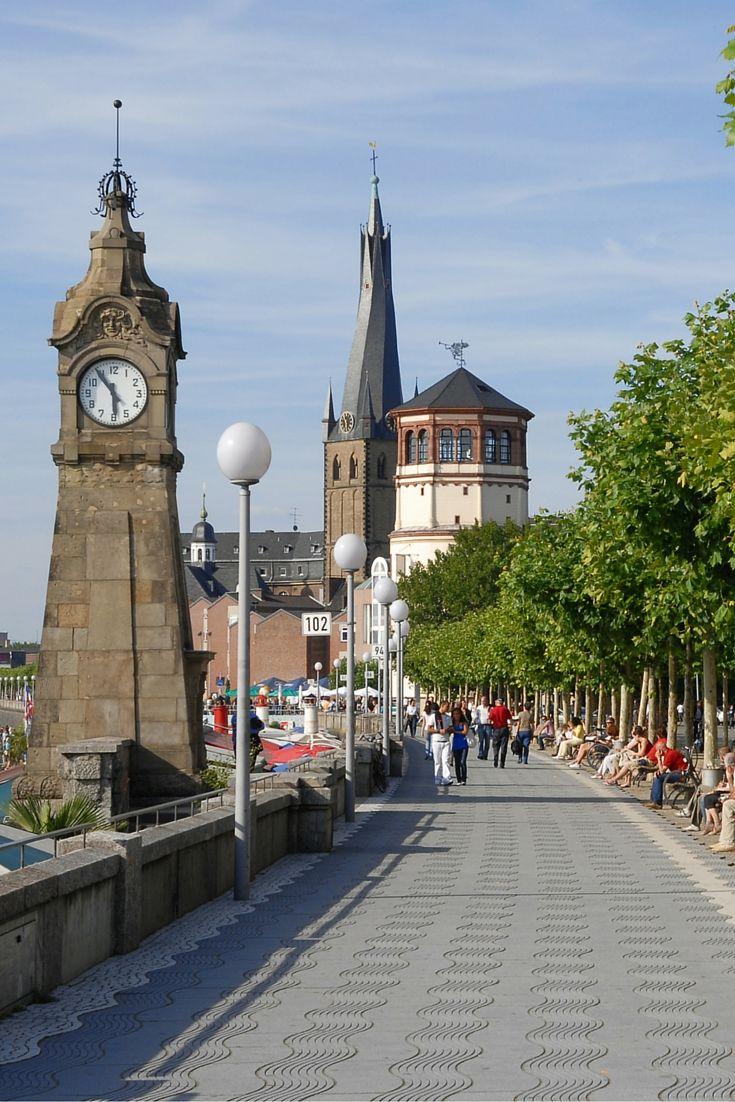 Wandelen door Düsseldorf, een geweldige manier om de stad te leren kennen. Bekijk de gratis stadswandeling door Düsseldorf (met gratis kaart).