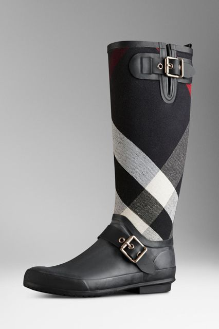 31 Stylish Rain Boots You'll Want To Wear Rain or Shine #refinery29  http://www.refinery29.com/fall-rainboots#slide29