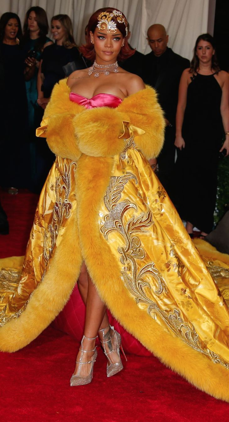 ON THE RED CARPET via LOLO *updated * repin by BellaDonna/Rihanna MET Gala 2015