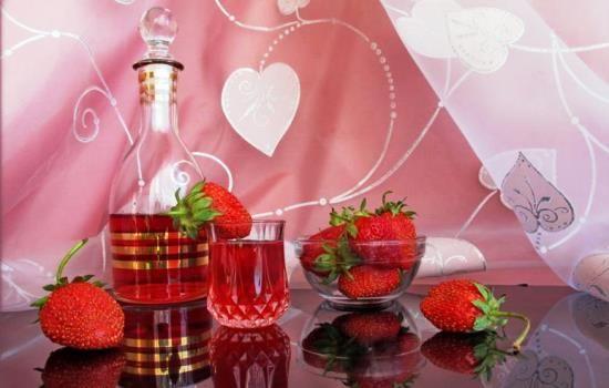 Рецепты домашнего вина из клубники, секреты выбора ингредиентов и