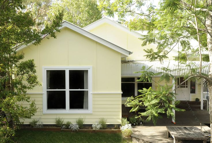 yellow weatherboard front