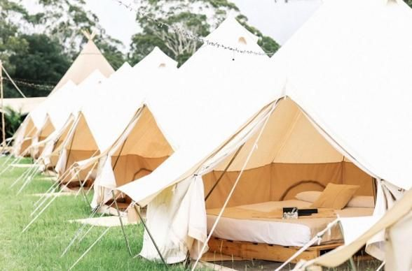 Looking for a glamping getaway idea? Head to Byron Bay and book Flash Camp.. for those ladies who love to camp but hate to lug all the gear, take a look at the full glamping setup Flash Camp offers in Byron Holiday Park