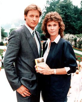 Scarecrow and Mrs. King - (1983-87). Starring: Kate Jackson, Bruce Boxleitner, Beverly Garland, Mel Stewart, Martha Smith, Greg Morton,  Paul Stout and Sam Melville.
