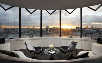 ME Hotel - Fosters+Partners - London