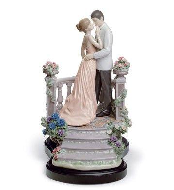 LLADRO PORCELAIN FOR VALENTINE'S DAY § LLADRO - MOONLIGHT LOVE Issue Year: 2009 Sculptor: Marco Antonio Noguerón