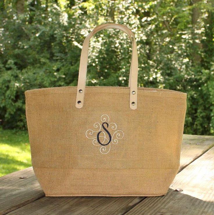 Two-tone Personalized Natural Burlap totes with single initial - Monogram Jute Tote - Summer Handbag Bags - Bridesmaid Jute Tote by MJMonograms on Etsy