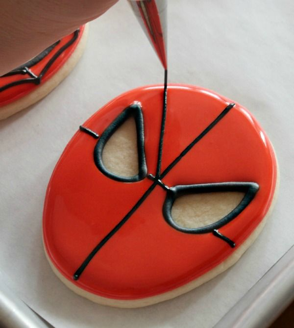 Simple Spiderman Cookies Tutorial