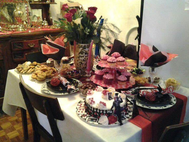 Alice in wonderland table decor for eid