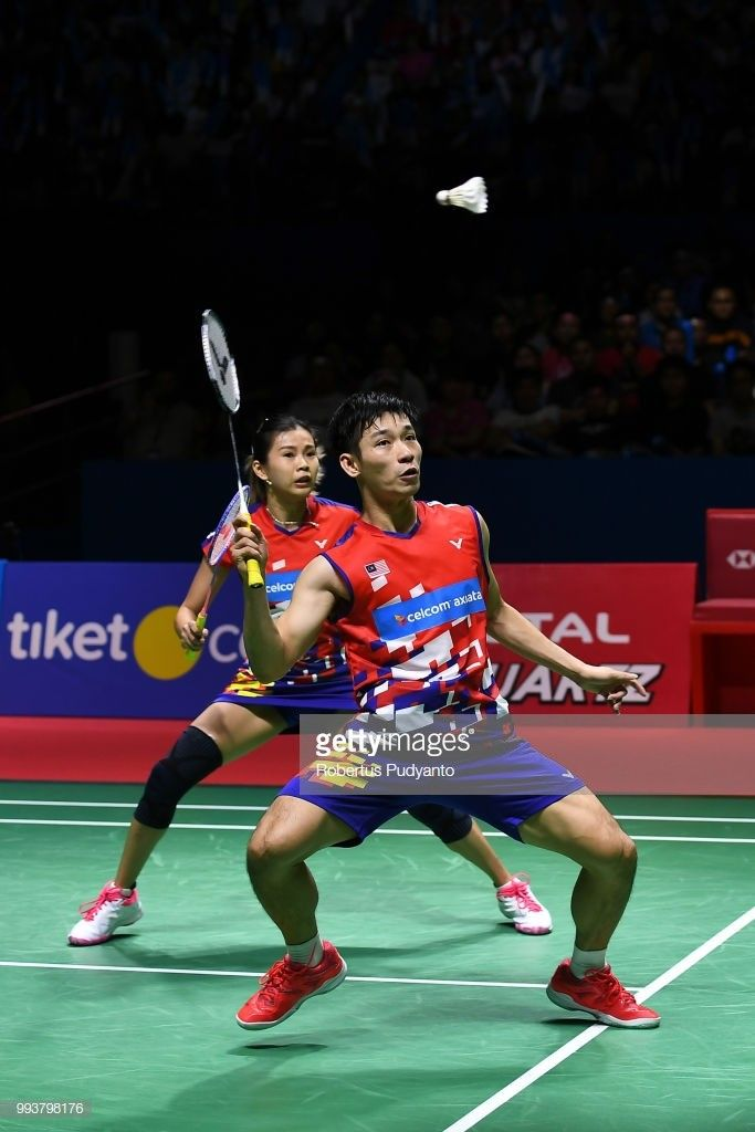 Pin By Badminton Collection On Mix Double Knee Injury Badminton Sports