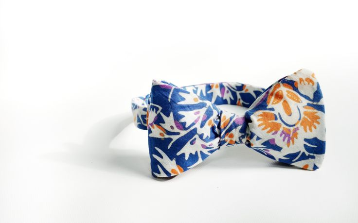 mens bow tie cotton - blue bowtie - blue BATIK bowtie - grooms bow tie - self tie - floral bowties - boho - beach - adjustable bowtie by Hueynie on Etsy