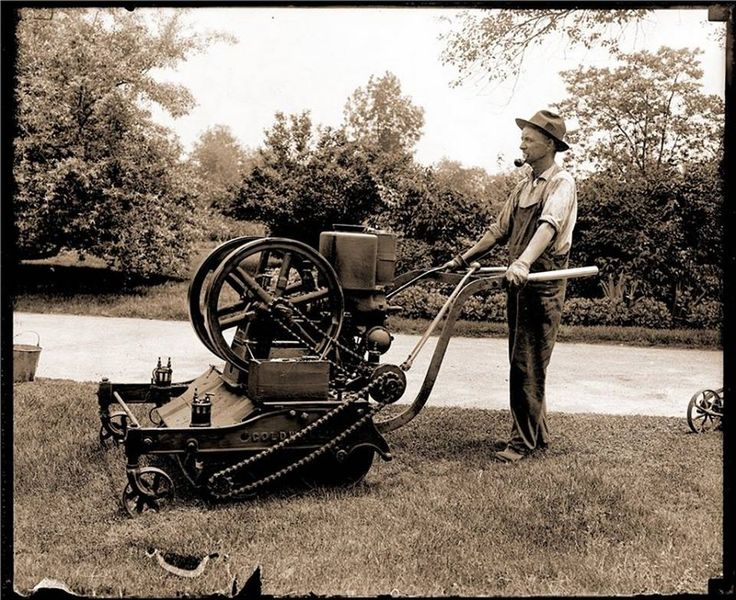 Combustion Engine powered lawn mower from 1918 [960 x 783]