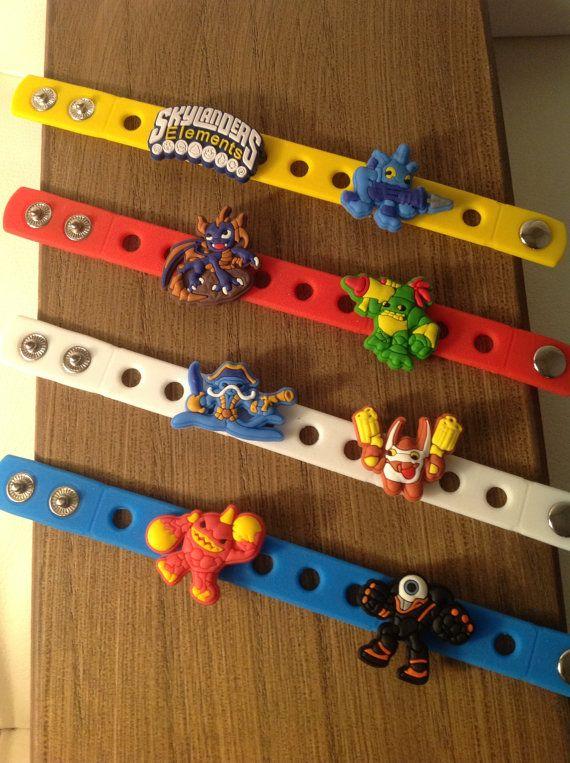Skylanders Charm Bracelets PARTY FAVORS von SuperMommyShop auf Etsy