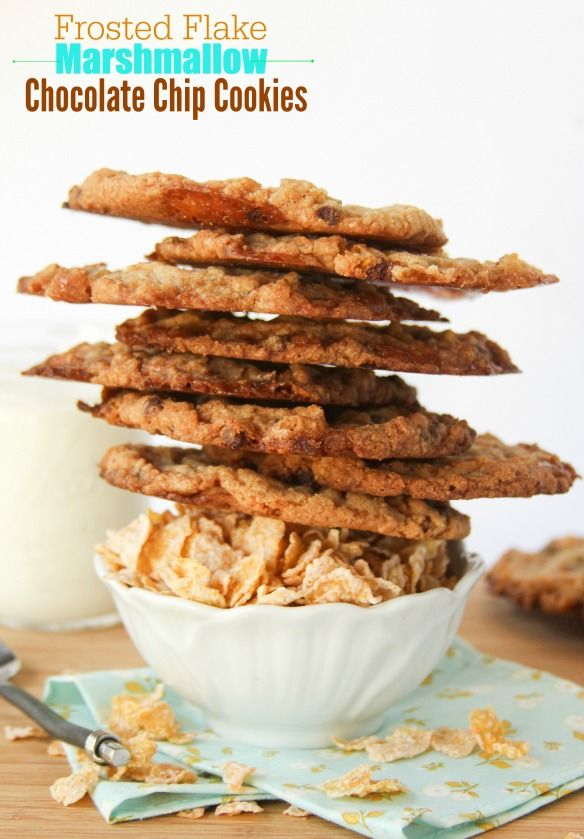 Frosted Flake Marshmallow Cookies -- gooey middle, crunchy edges and SO GOOD!!