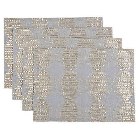 Gray and sparkly gold placemats for that extra touch of glitter #gold #goldwedding #glam #weddingdecor #placesetting
