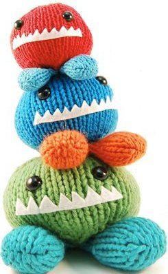 Amigurumi knit patterns are so much fun to make, especially when they are as cute as these are!  Make your own Monster Chunks in a cinch with this free pattern from Rebecca Danger.