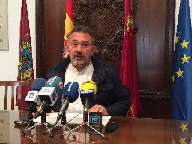 Lorca pedirá al Mapama interconectar las desaladoras y un precio sostenible del agua