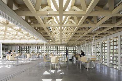 Aspen Art Museum Par: Shigeru Ban Architects Lieu: Aspen, USA Année: 2014