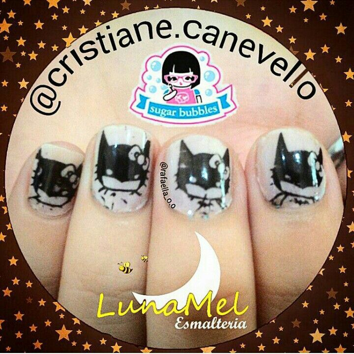 "Esmalte ""Esquimó"" da @vult_cosmetica (uma camada) Esmalte ""Preto"" para carimbo @esmalte_lafemme ➡ @lunamelesmalteria  Placa SB035 @sugar__bubbles"