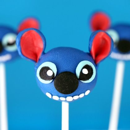 Bakerella's stuff isn't easy but is so worth the effort!!! Love these Stitch Cake Pops #Disney.  If i had any artistic ability what so ever..i would make these.