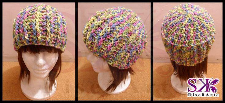 #EnVenta #Gorro para dama de colores matizados. #crochet #ganchillo #cute #hermoso #moda Para entrega inmediata