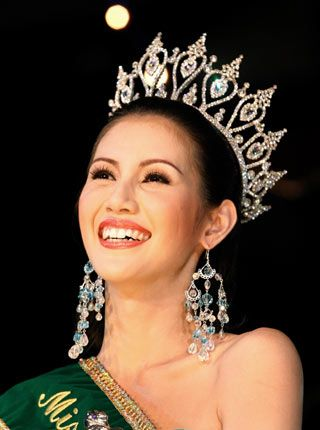 miss transvestite thailand 2012
