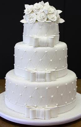 Lembrancinhas e Festas: Bolos de casamento brancos