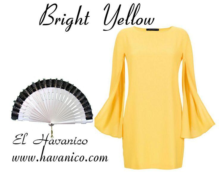 Hand fan with feathers, white fan with feathers  Eventail   Abanico con plumas de gallina de guinea, abanico blanco con tela negra y plumas   EL HAVANICO    www.havanico.com