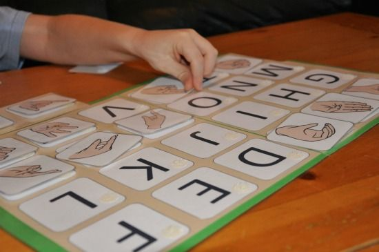 Several ideas for File Folder Learning Games for preschoolers...love the heart one!