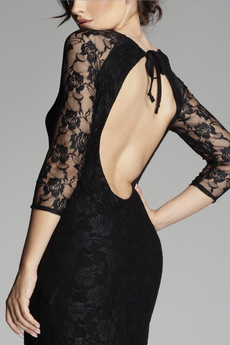 Robe en dentelle noir voluptueuse : http://www.mademoisellegrenade.fr/les-robes/739-robe-manches-longues-en-dentelle.html