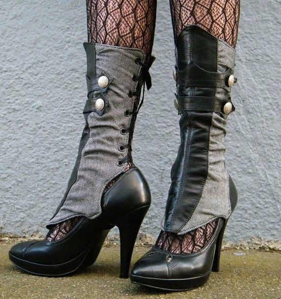 Oooo lala!!! I ADORE these spats! Totally Dark or Gothic Steam style!