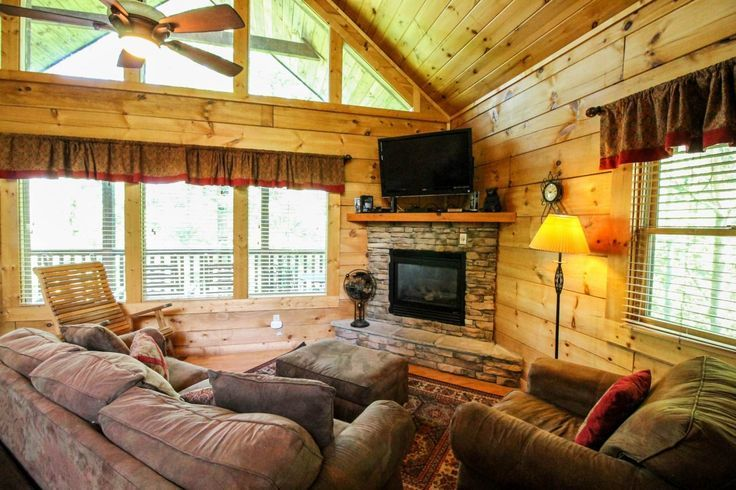 Gatlinburg vacation rental named The Great Escape! Relax in the Smoky Mountains while enjoying easy access to the top attractions and restaurants! #Gatlinburg #rental #itripvacations