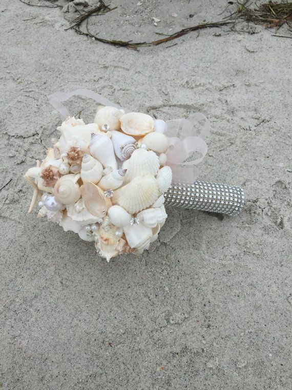 xo bouquets big seashell beach wedding bouquet di XOBOUQUETS
