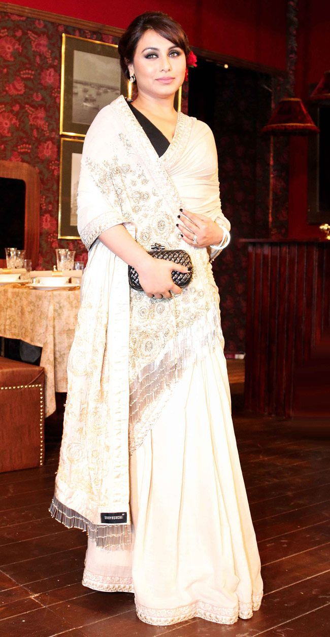 Rani Mukerji made a dazzing guest appearance at friend Sabyasachi Mukherjee's show at the Indian International Jewellery Week 2014. #Style #Bollywood #Fashion #Beauty #IIJW