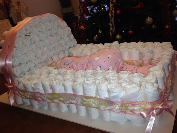 Baby diaper bassinet and baby made of diapers