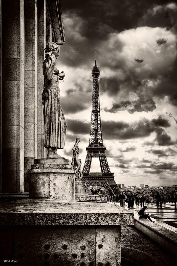 """500px / Photo """"Paris"""" by Viktor Korostynski"""