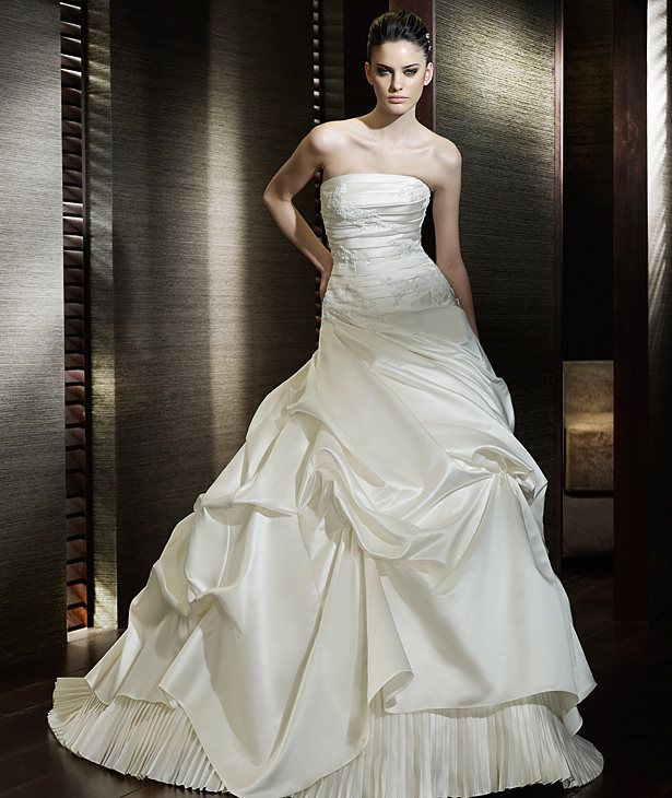 Buy 2012 Sleeveless Wedding Dresses Bridal Gown Ball Style Cereza HuLu
