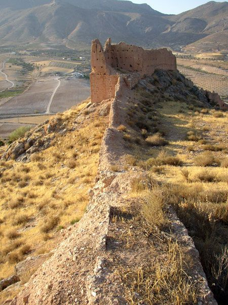 castillo de Xiquena (Lorca - Murcia): es una fortaleza de origen islámico. Es de los castillos del municipio de Lorca con más restos conservados.