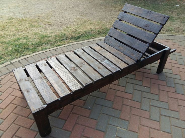 Wooden lounger made from recycled pallet wood
