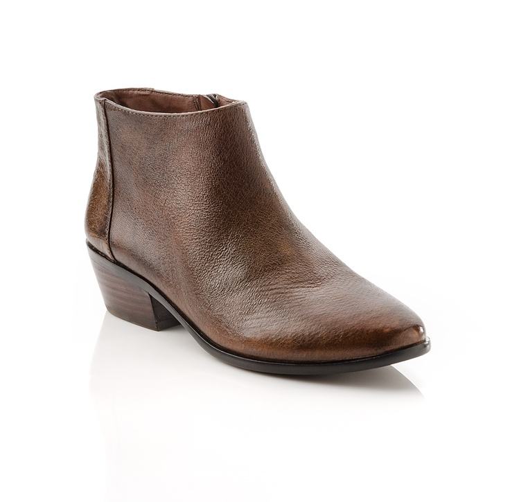 {the Melissa bootie} by ShoeMint - classic in brown leather. love these!: Shoes Boots Sandals, Brown Booties, Melissa Boot, Brown Leather, Brown Ankle Boots, Fall Bootie, Fall Boots, Boots Style, Fall Shoe