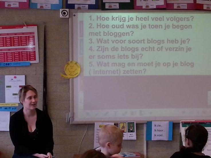 Groep5 van #tStartblok gaat bloggen. #blogqueen op bezoek om uitleg te geven#jeelo