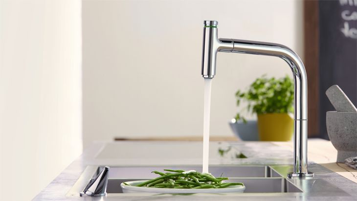 Kitchen mixer with a clear-cut and minimalist design. #hansgrohe #kitchenmixer