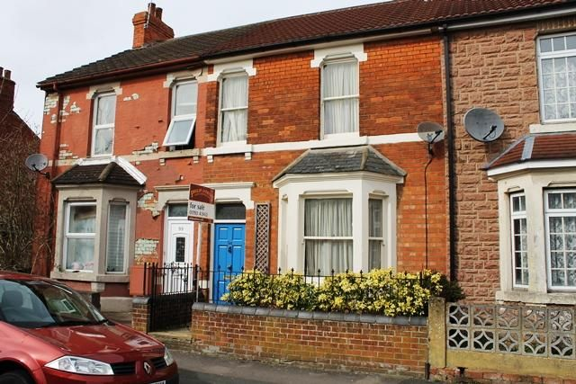 3 bedroom terraced house for sale in Lansdown Road, Old Town Swindon SN1 - 32413397