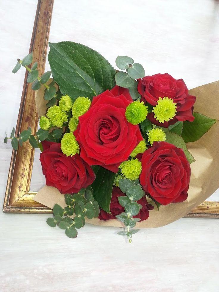 #love #passion #intensered #rosesbouquet #florariamiozotis