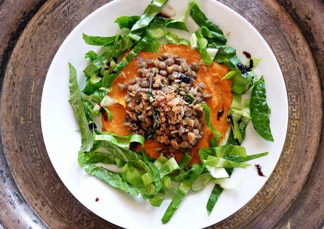Ajánljuk: Édeskrumpli és lencse egy tálon, http://kertinfo.hu/edeskrumpli-es-lencse-egy-talon/, ezekben a témakörökben:  #batáta #édeskrumpli #lencse #Zöldség, írta: Rakottkert Blog