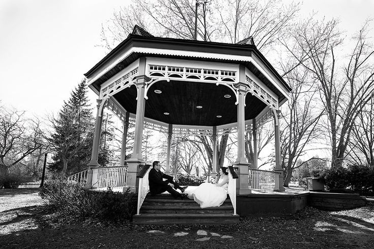 Axen Media Professional Photography | Guelph Wedding, Engagement, & Portrait Photography