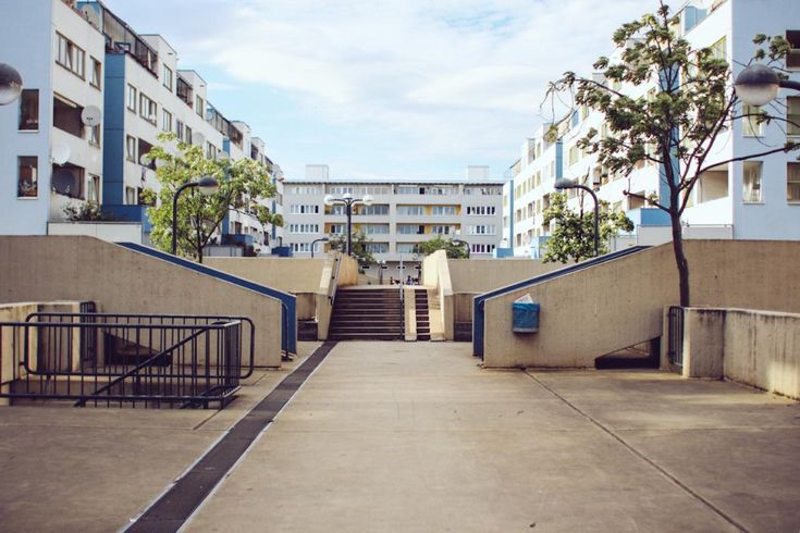 High deck block at Sonnenallee